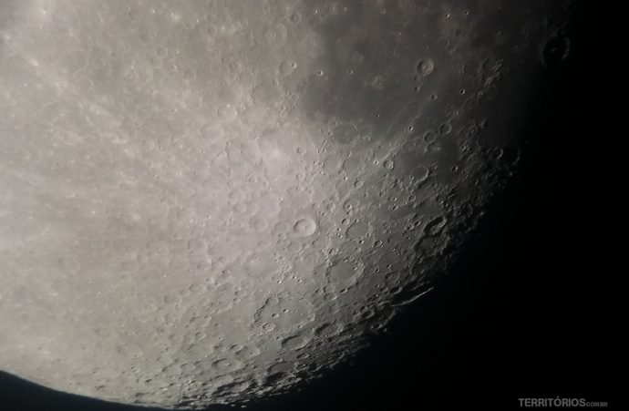Lua cheia vista no telescópio do Feynan Ecolodge