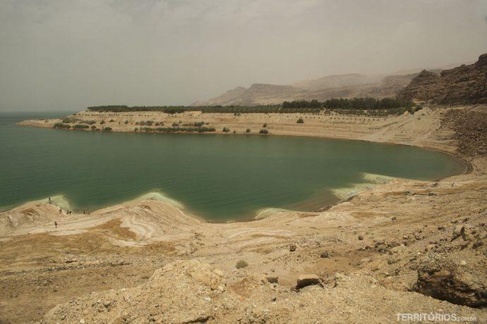 Mar Morto mede 60 Km de comprimento, 18 Km de largura e 306 metros de profundidade, no ponto mais fundo