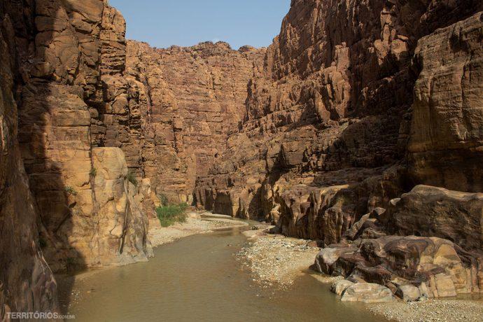Wadi Mujib embarrado depois das chuvas, este dia estava fechado para trilhas