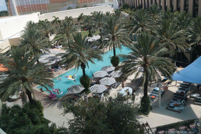 Piscina animada em dias de Pool Parties - Dica de onde ficar na Flórida