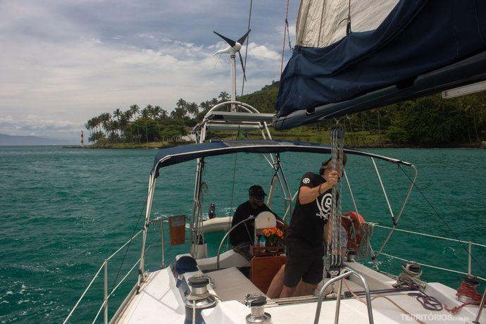 Navegando com Ilhavela Charters em Ilhabela