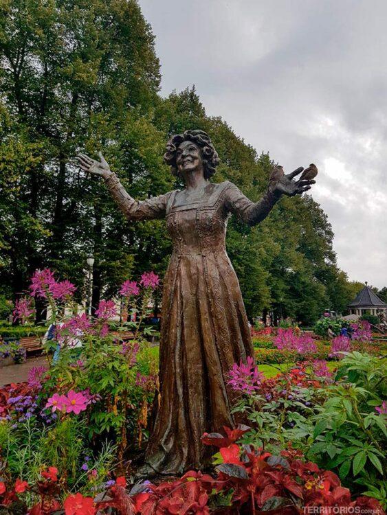 Estátua no centro de Oslo