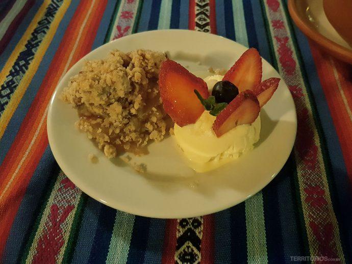 Sorvetes com frutas e quinoa são comuns na sobremesa