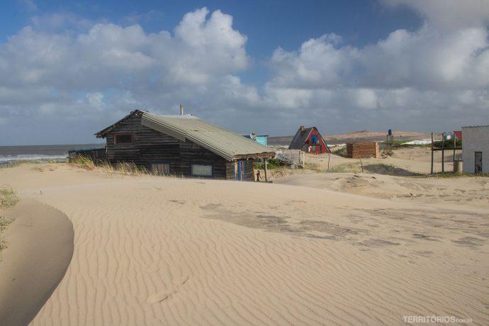 Casas na beira de praia de Valizas