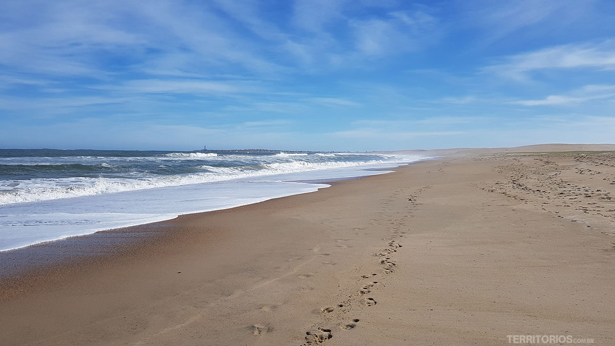 Caminho a pé até Cabo Polônio pela praia