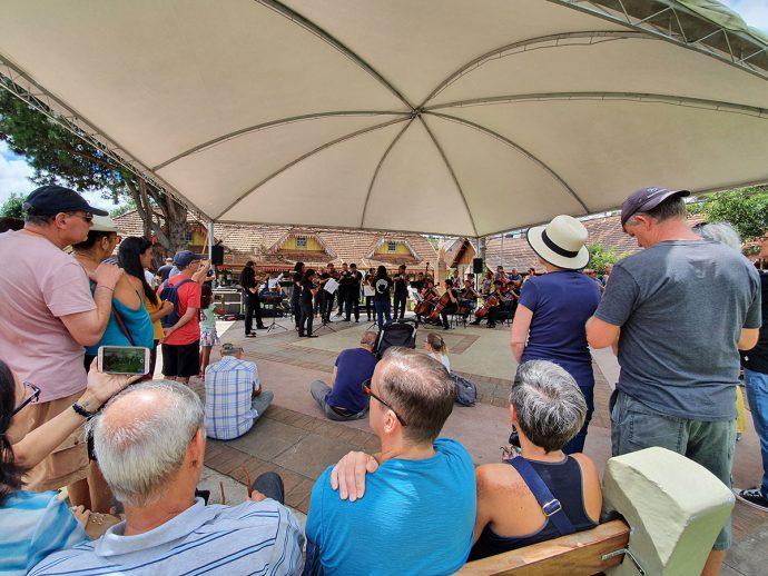Show Orquestra de Cordas do Ceará na Praça das Etnias