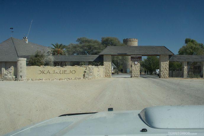 Portão de entrada da vila