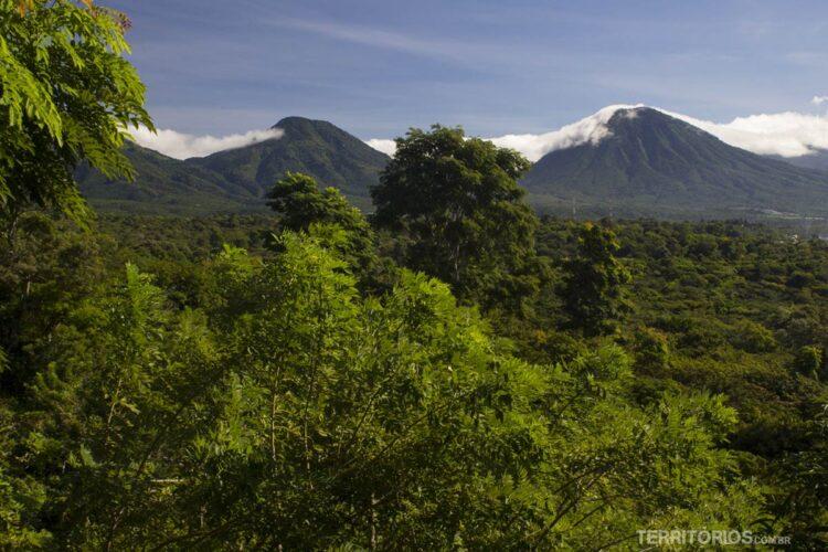 Muitos vulcões nas fotos de El Salvador