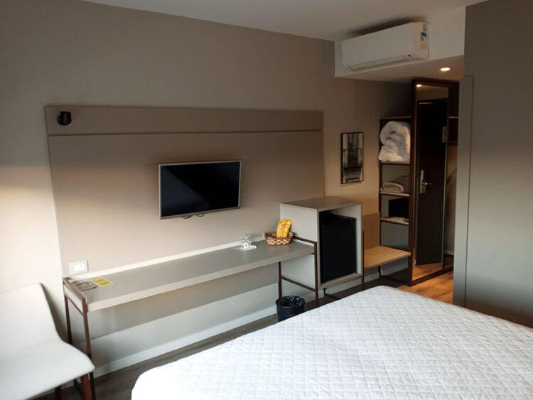 Onde se hospedar em Garibaldi: suíte do Dall'Onder Ski Hotel
