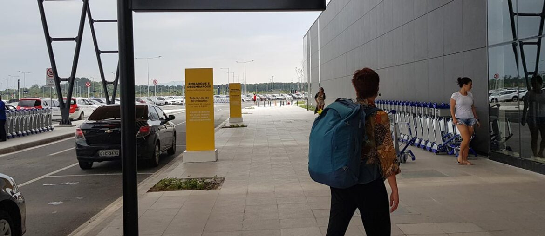 Aeroporto de Florianópolis com bagagem de mão